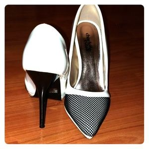 white and black pointed front pumps/heels